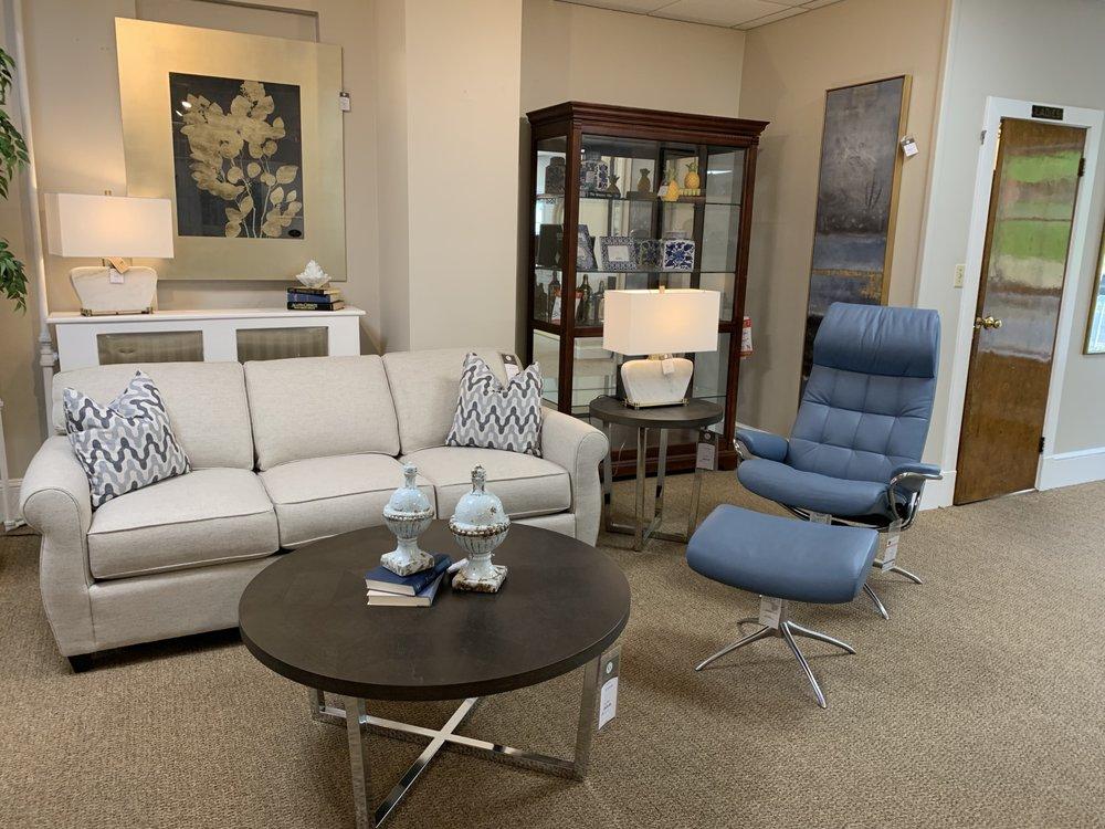 Gladhill Furniture: 10 Walnut St, Middletown, MD