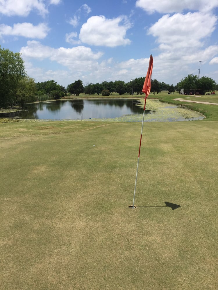 Hartline's Golf Center & Driving Range: 3771 E Interstate 30, Greenville, TX