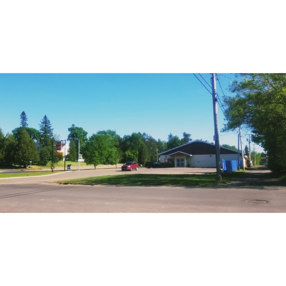 Cobb Cook Grocery: 3817 1st Ave, Hibbing, MN