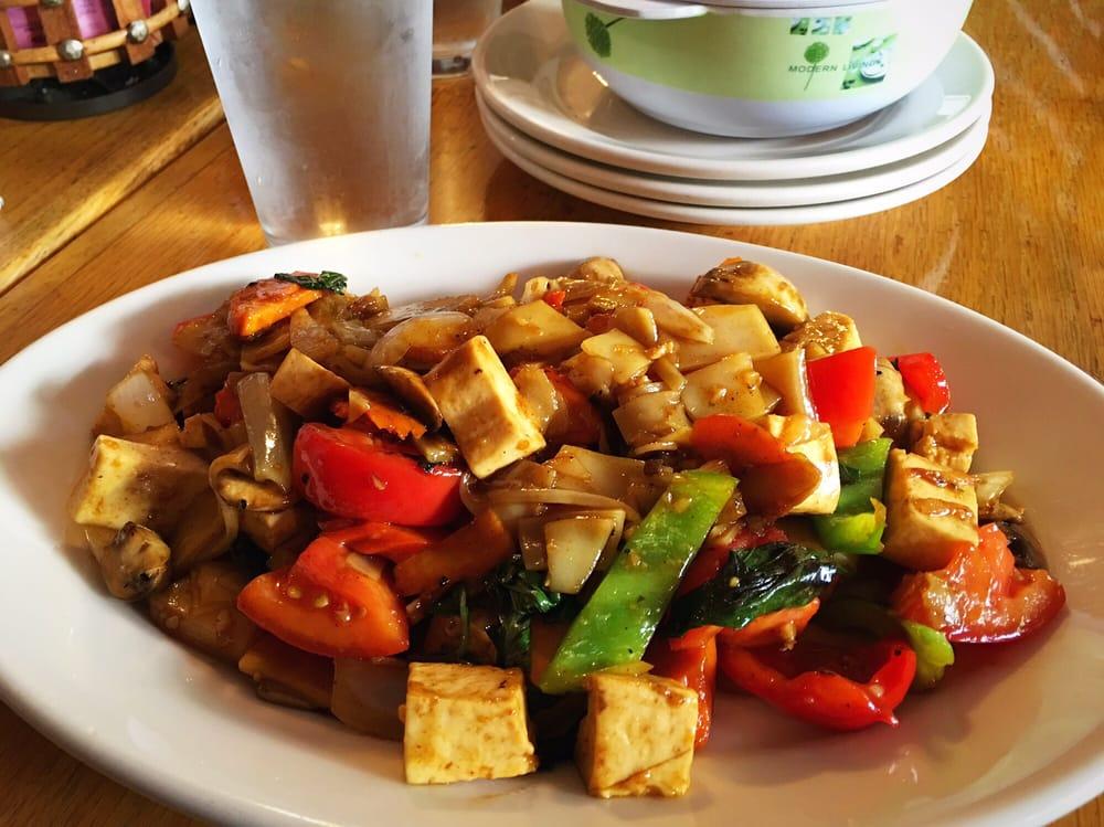 Kop Chai Thai: 325 NE Cedar St, Camas, WA