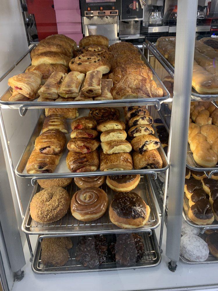 Dulcet Gourmet: 23717 Vanowen St, West Hills, CA
