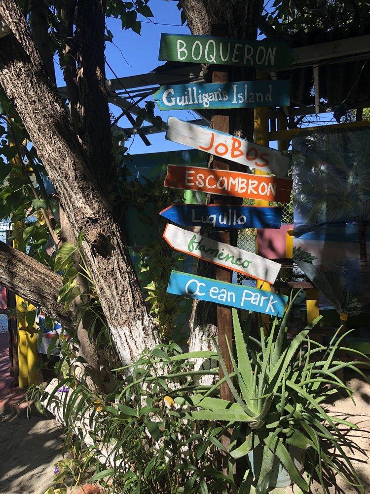 Guilligan Ferry: Calle C S/N, San Jacinto, PR