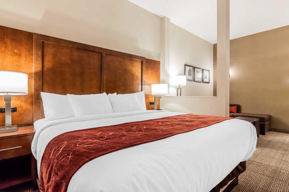 Comfort Suites La Vista - Omaha: 8121 Eastport Pkwy, La Vista, NE
