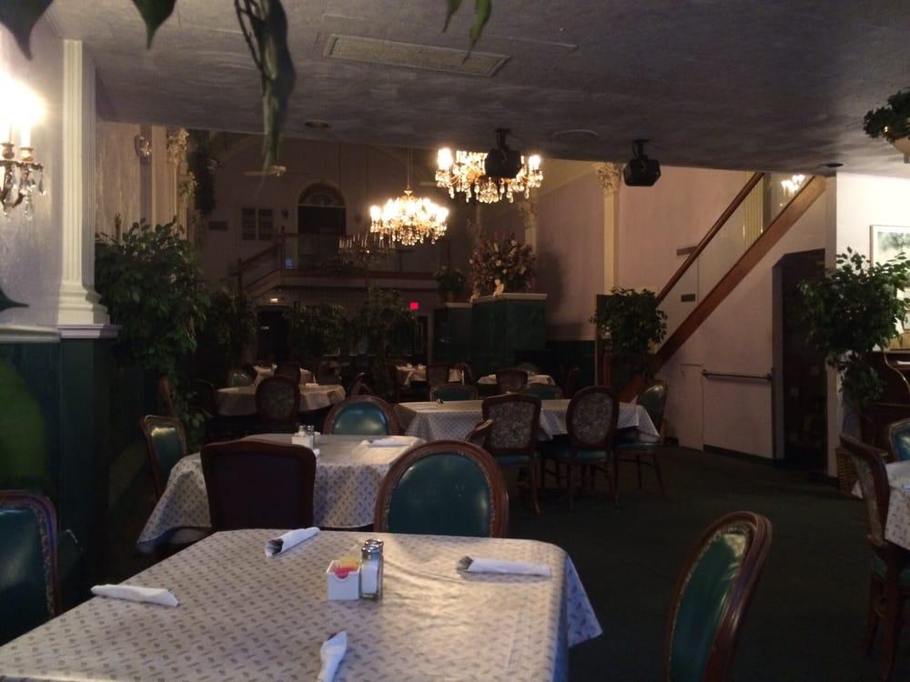 Casa Capelli Restaurant & Lounge: 4641 Main Ave, Ashtabula, OH