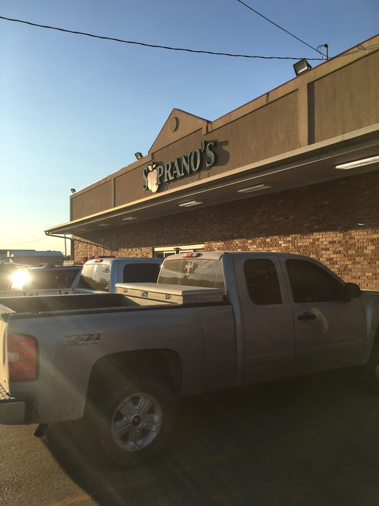 Soprano's Supermarket: 8389 US Hwy 190, Livonia, LA