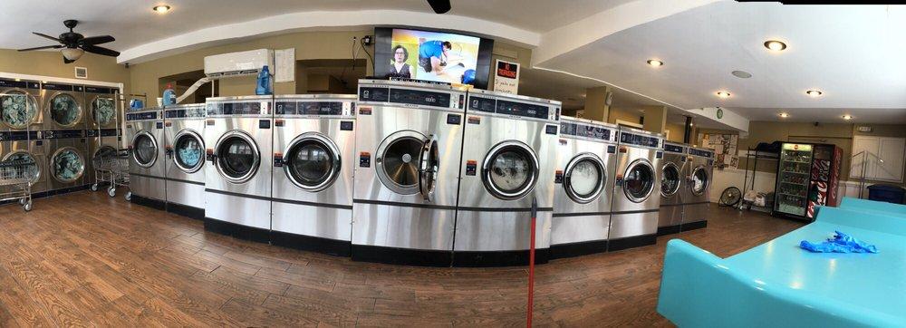 4th Street Laundromat: 401 N Market St, Frederick, MD