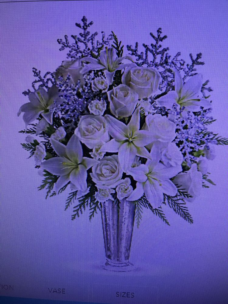Woolvies Florist: 612 Crater Lake Ave, Medford, OR