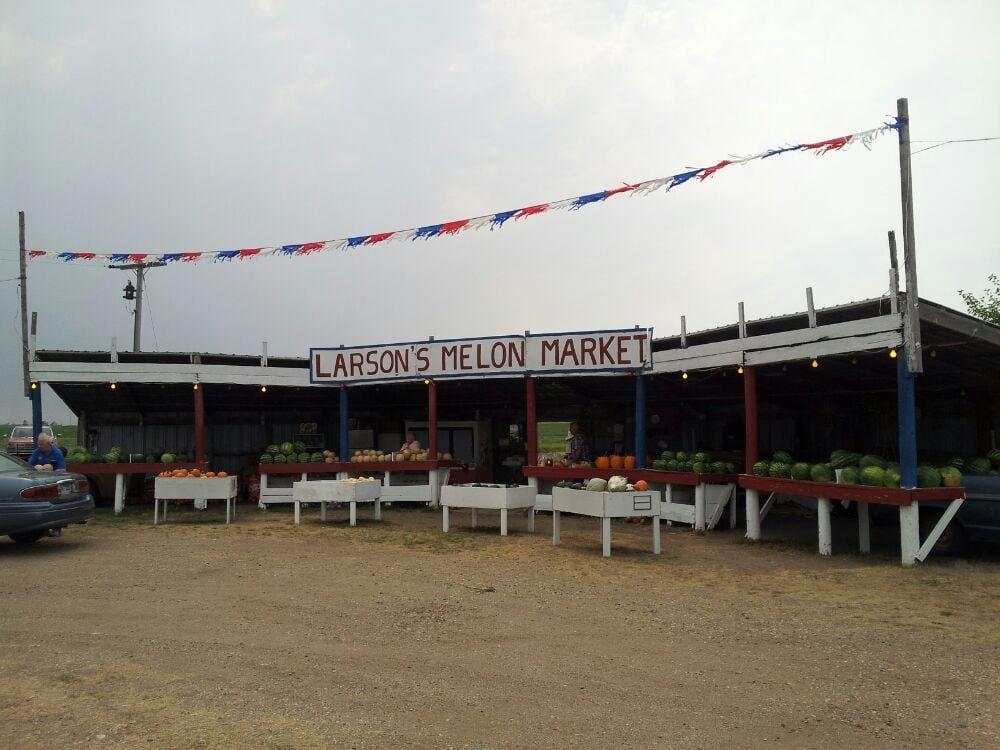 Larson Melon Market: 22417 Sd Hwy 37, Woonsocket, SD