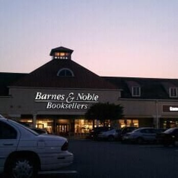 Barnes Noble Booksellers 12 Photos 26 Reviews Bookstores