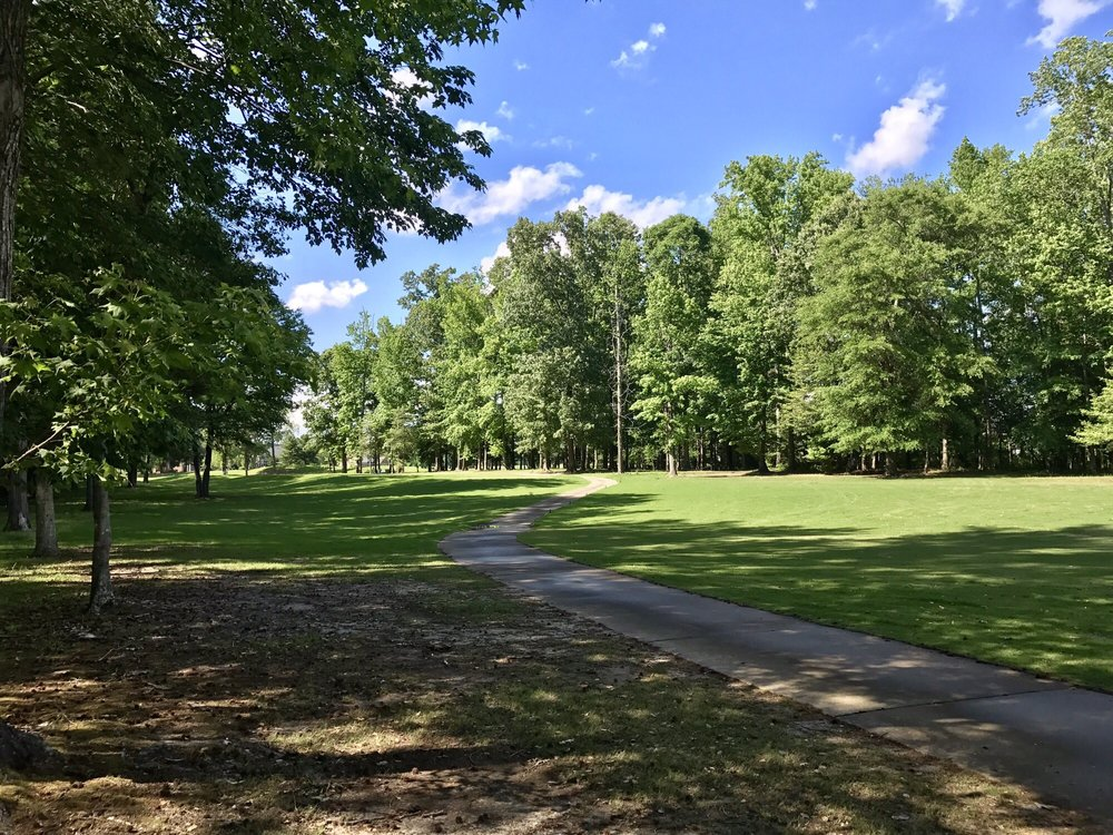 Cypress Creek Golfers Club: 600 Cypress Creek Pkwy, Smithfield, VA
