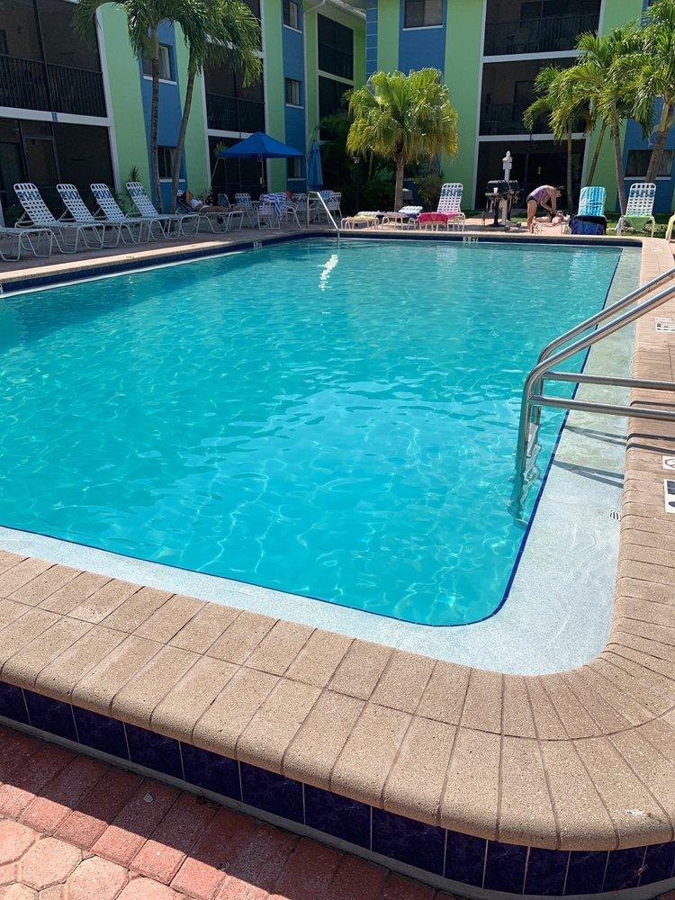 Tropical Sands Resort