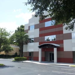 Family Physicians of Downtown - Medicina interna - 207 W