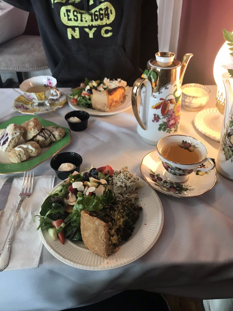 The Pink House Tea Room and Bnb: 36341 Front St, New Baltimore, MI