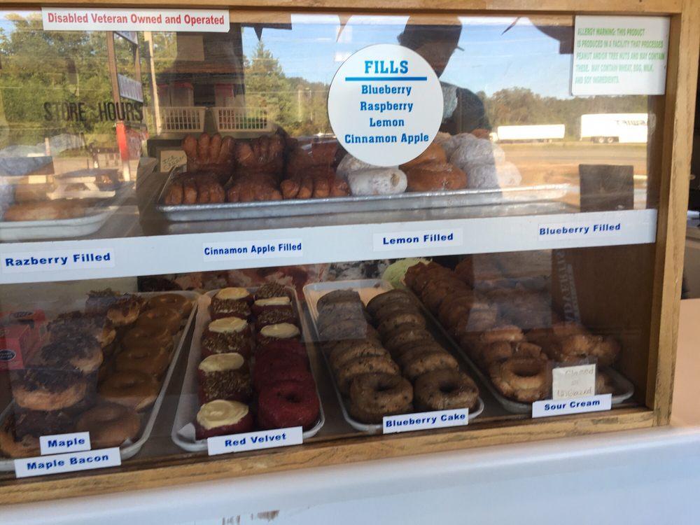 Donut Land Express: 1902 S Waukesha St, Bonifay, FL