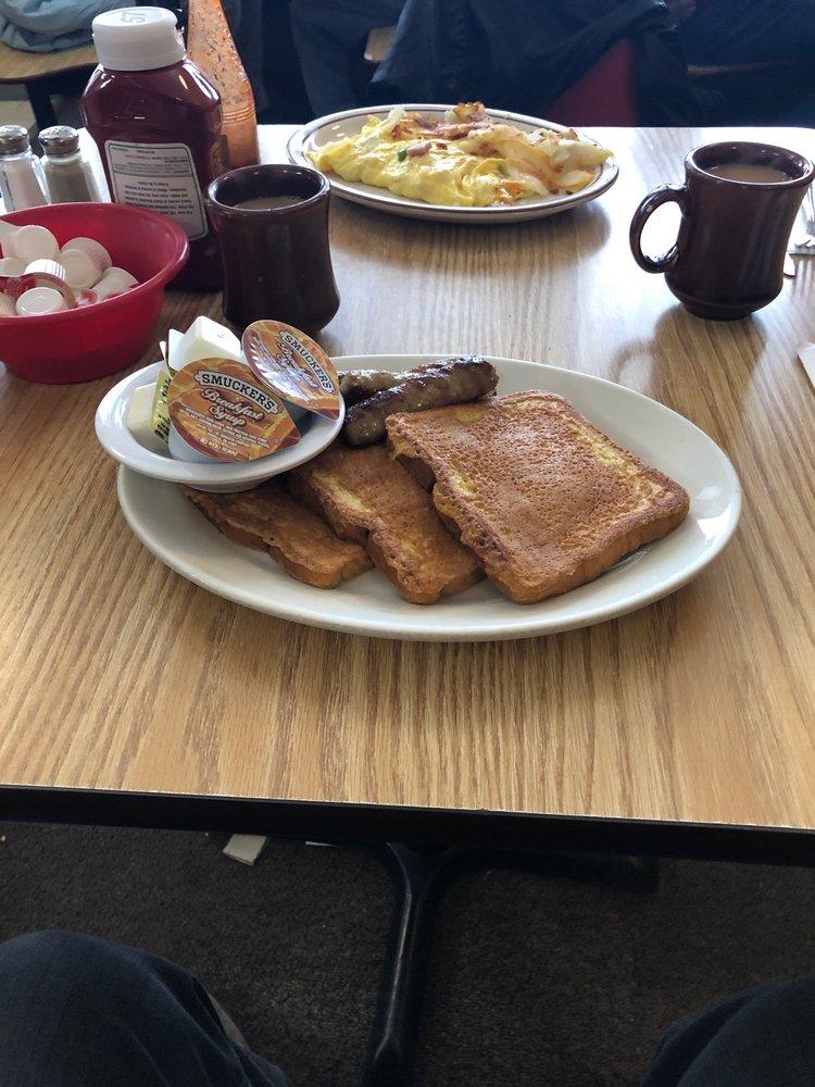 Red School Cafe: 12320 Bristol Rd, Bristol, WI