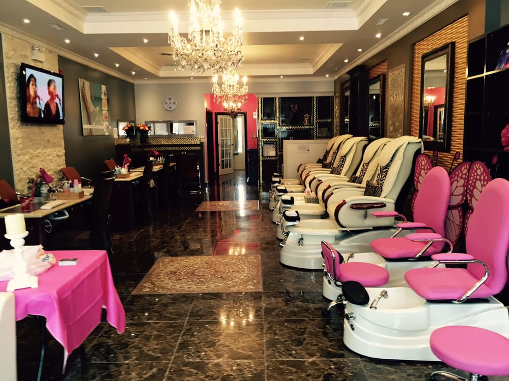 Bliss nail bar 40 fotos nagelstudio 6050 highway 7 e for 24 hour nail salon queens ny