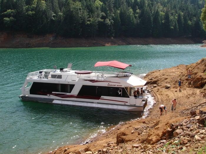 Houseboats: Bella Vista, CA