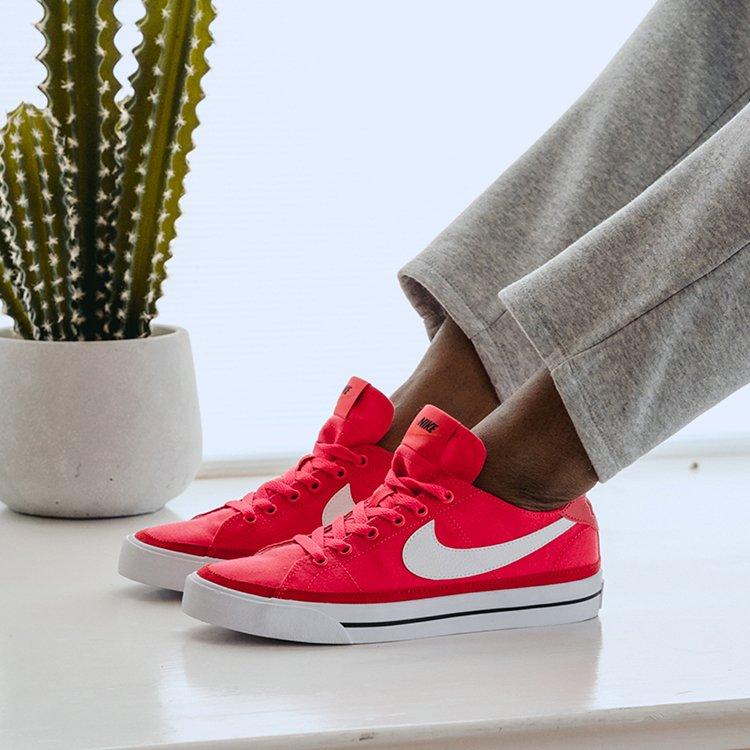 Famous Footwear: 2114 N 2Nd St, Millville, NJ