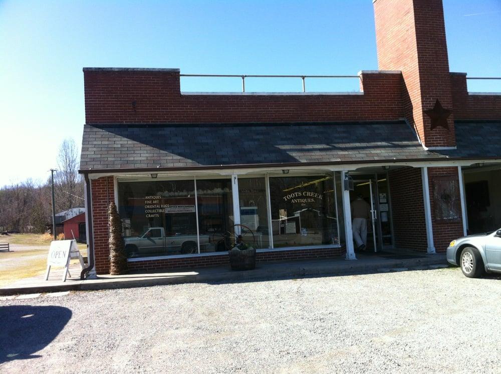 Toots Creek Antiques Etc: 5293 Halifax Rd, Halifax, VA