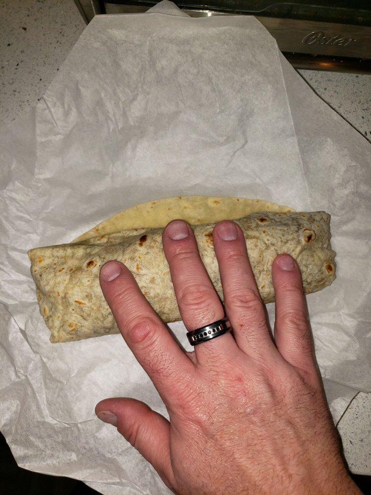 Ralibertos Taco Shop: 1852 State Hwy 273, Anderson, CA