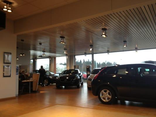 volvo waimes j&c cars - car dealers - waims-parc communal, waimes