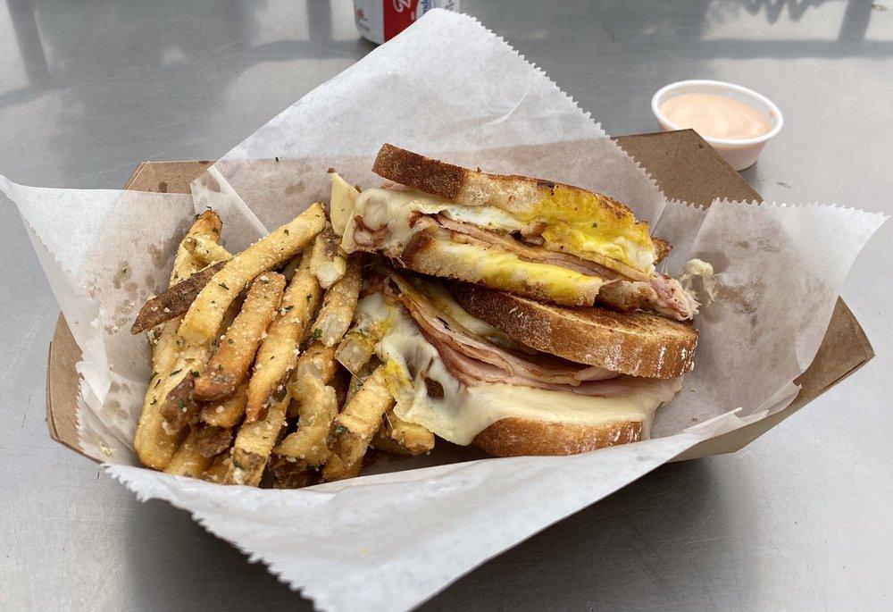Lola's Street Kitchen: 24 East Main St, Midway, UT