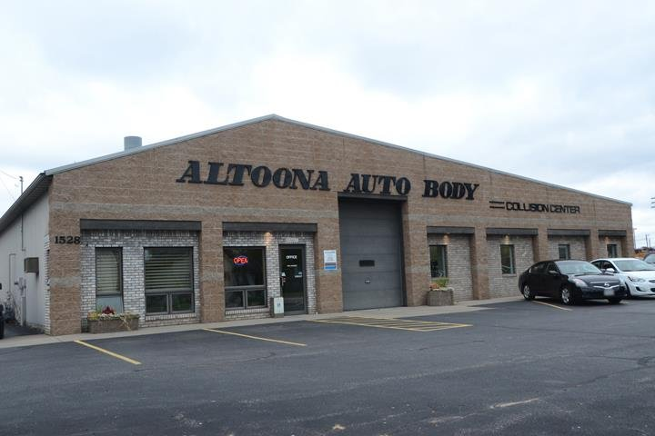 Altoona Auto Body: 1528 Spooner Ave, Altoona, WI