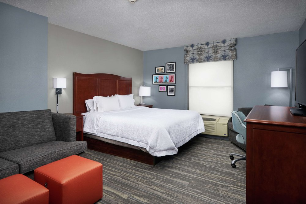 Hampton Inn Beaumont: 3795 Ih-10 S, Beaumont, TX