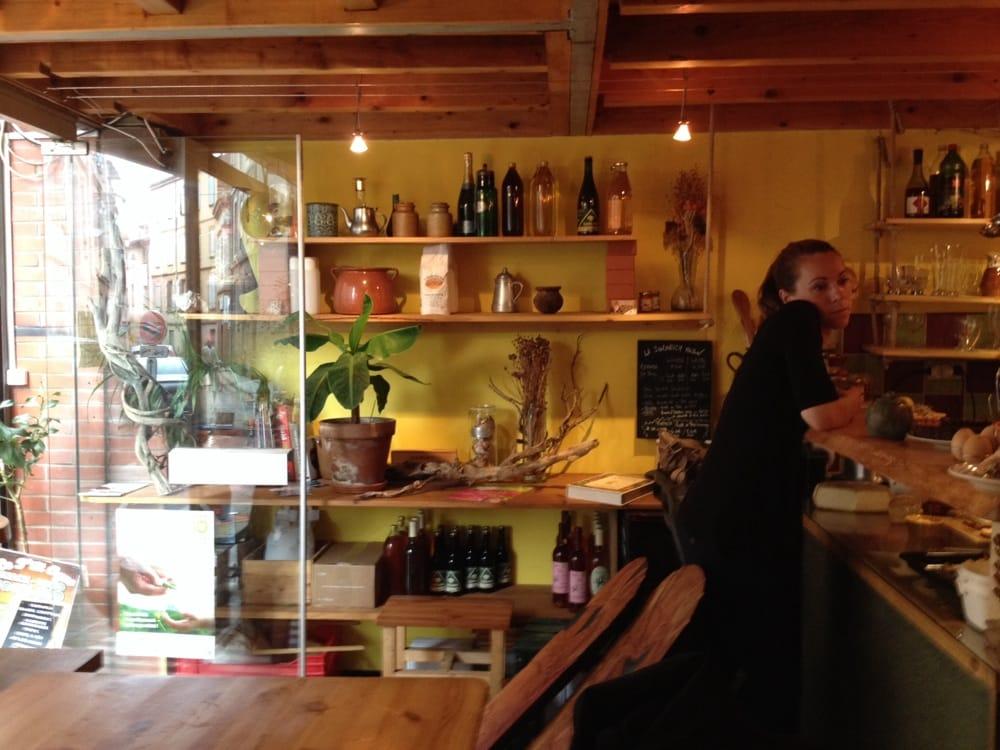 le p tit ogre salad 1 rue des p nitents gris capitole toulouse france restaurant. Black Bedroom Furniture Sets. Home Design Ideas