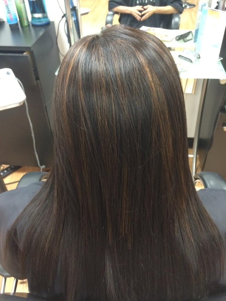 Coffee highlights on black hair done by tiffany of haute for Salon haute coiffure paris