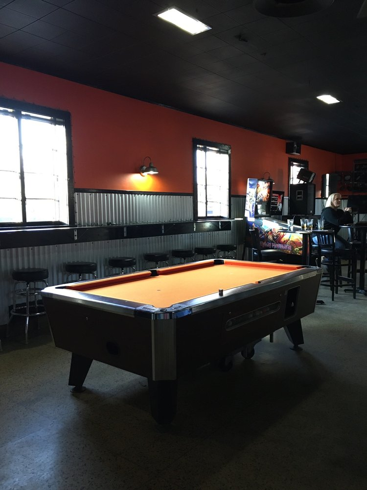 People's Tavern and Package Goods: 1 S Pennsville Auburn Rd, Carneys Point, NJ