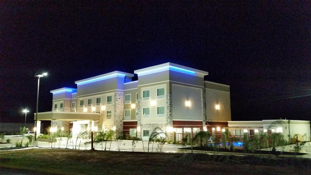 Best Western Plus Dilley Inn & Suites: 16491 S I-35, Dilley, TX