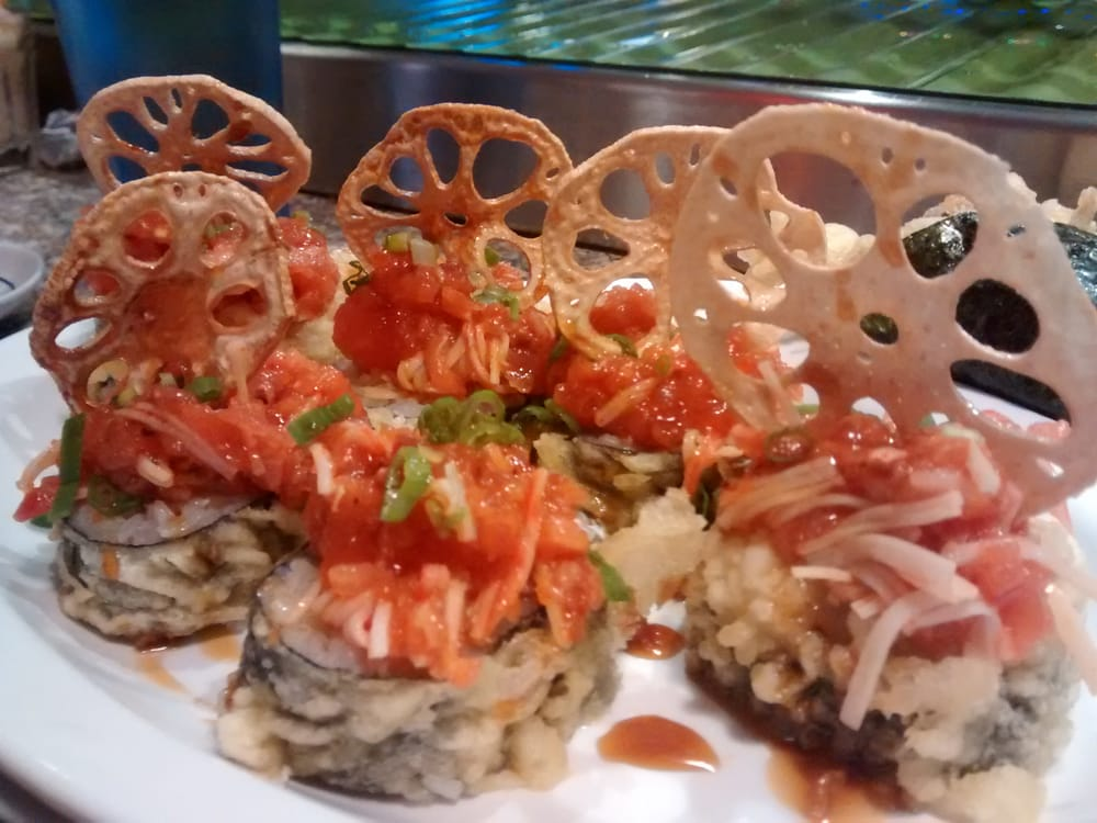 Vegas Roll With Lotus Flower Chips The Tuna Was Spicy This Is A