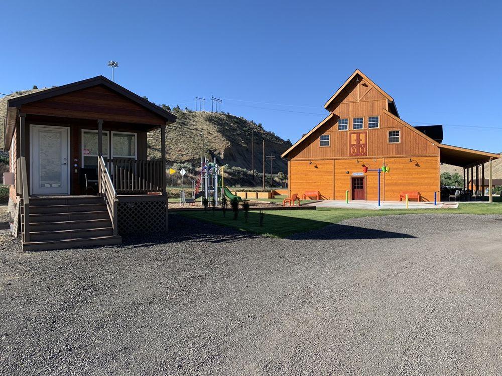 Castle Gate RV Park & Campground: 1020 Spring Glen Rd, Helper, UT