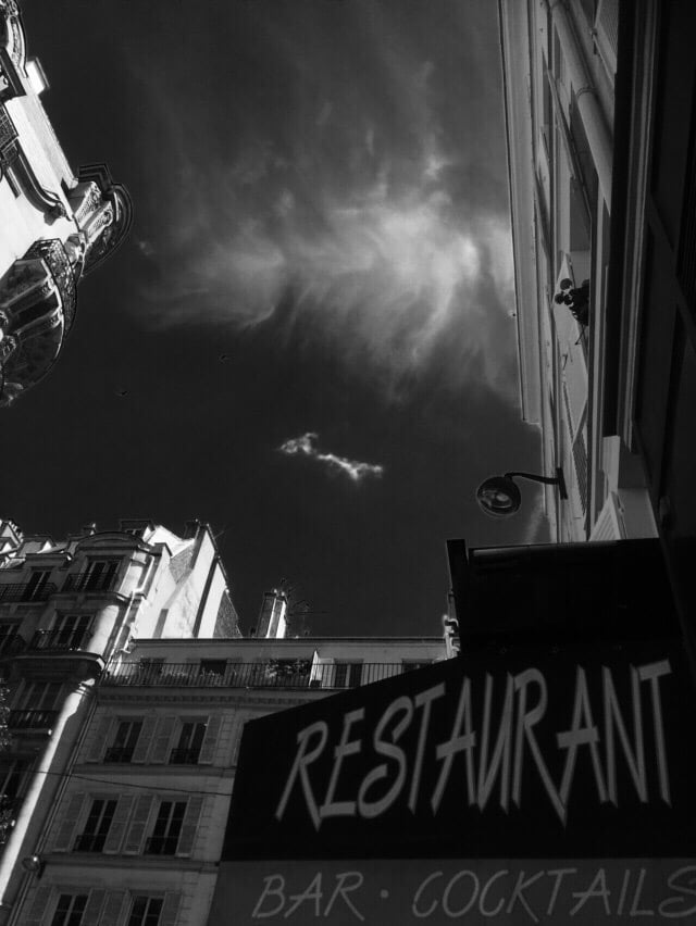 Bistrot smiley 17 photos 20 avis bistrot 37 rue for Restaurant le miroir rue des martyrs