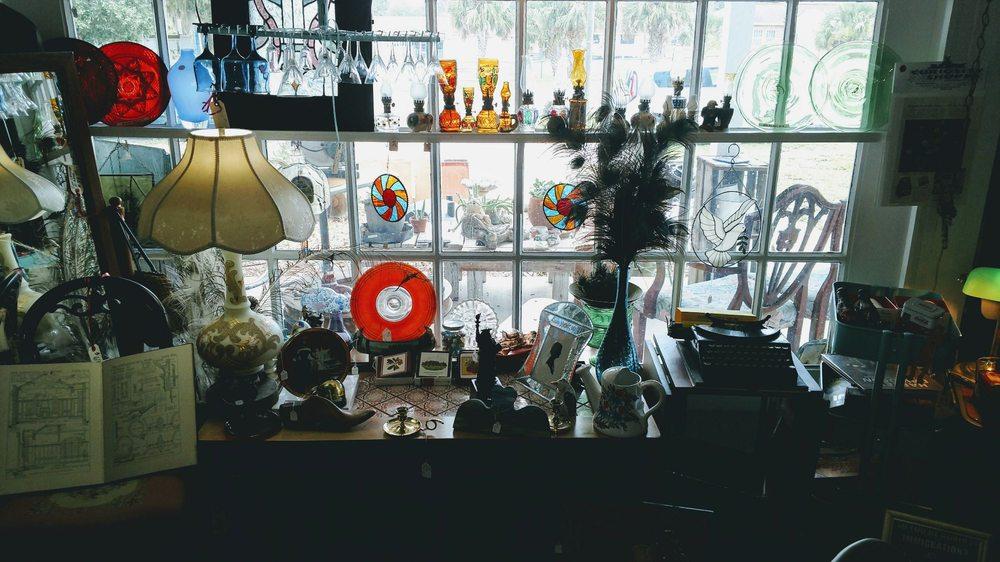 Curiosity Shoppe: 200 Central Ave, Crescent City, FL