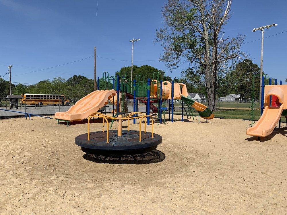 Rogers Memorial Park: 30258 Maple Ave, Sedley, VA