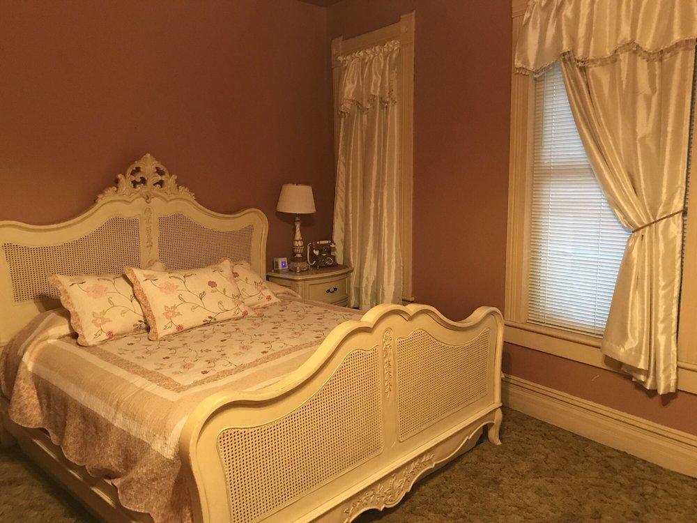 The Historic Wolf Hotel: 1 N Main, Ellinwood, KS