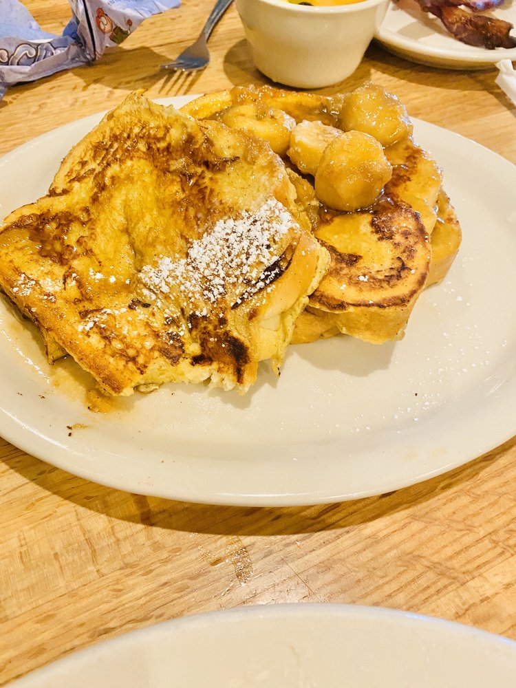 Blue House Bakery & Cafe: 609 N Canyon St, Carlsbad, NM