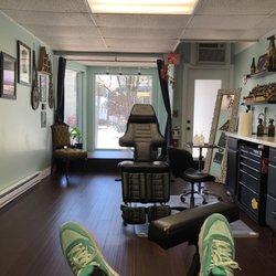 37f7046befe96 Photo of 1001 Troubles Tattoo - Warren, RI, United States. Tattoo stations