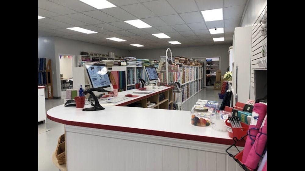 Sewing Studio: 216 Shiner St, Hudson, IL
