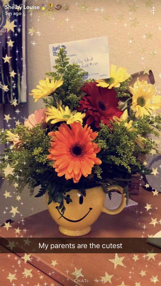 April Showers Floral & Gifts: 1612 Washington St, Commerce, TX
