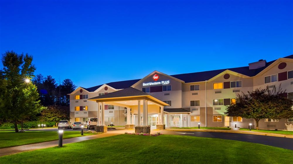 Best Western Plus Executive Court Inn & Conference Center: 13500 S Willow St, Manchester, NH