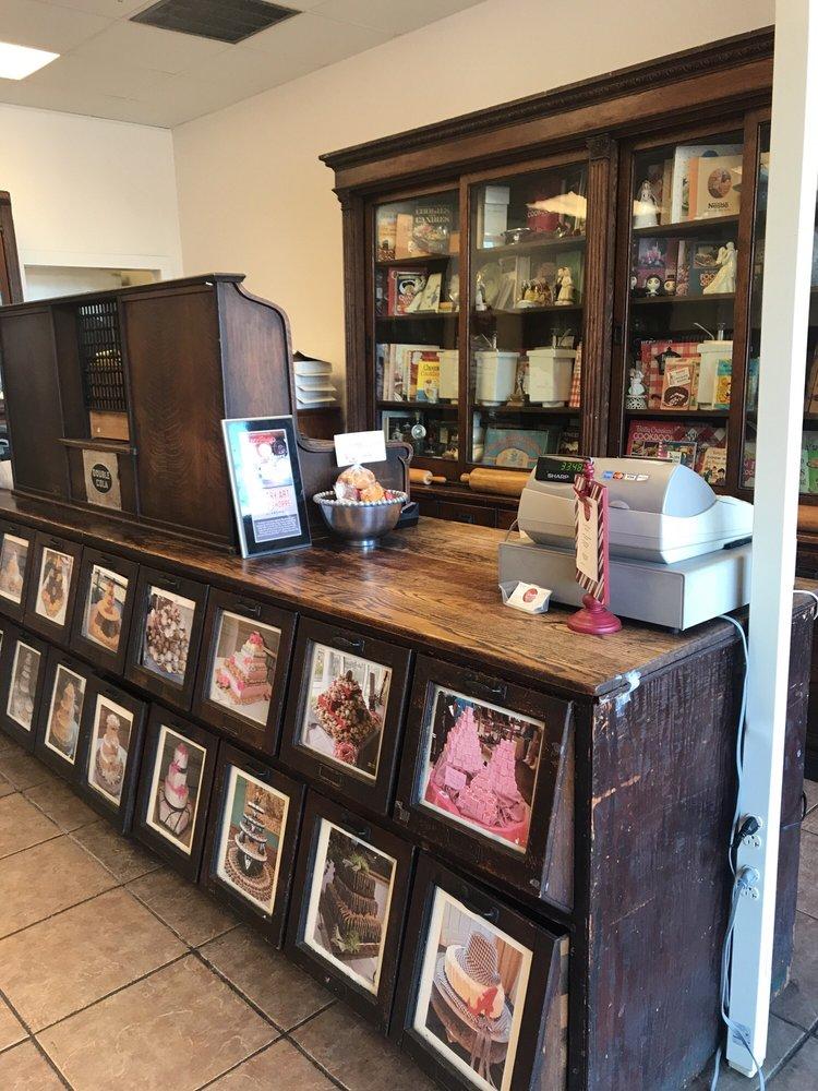 Pastry Art Bake Shoppe: 1430 Gadsden Hwy, Birmingham, AL
