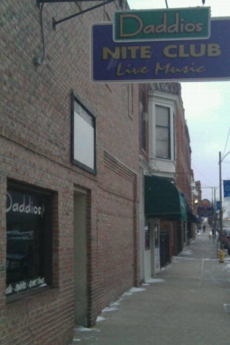 Daddios: 527 N Main St, Bloomington, IL