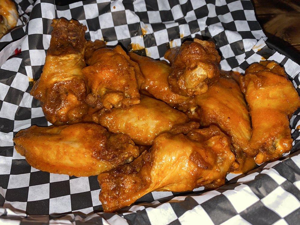 BURDOGZ Bar & Grill: 1209 E Airline Rd, Victoria, TX
