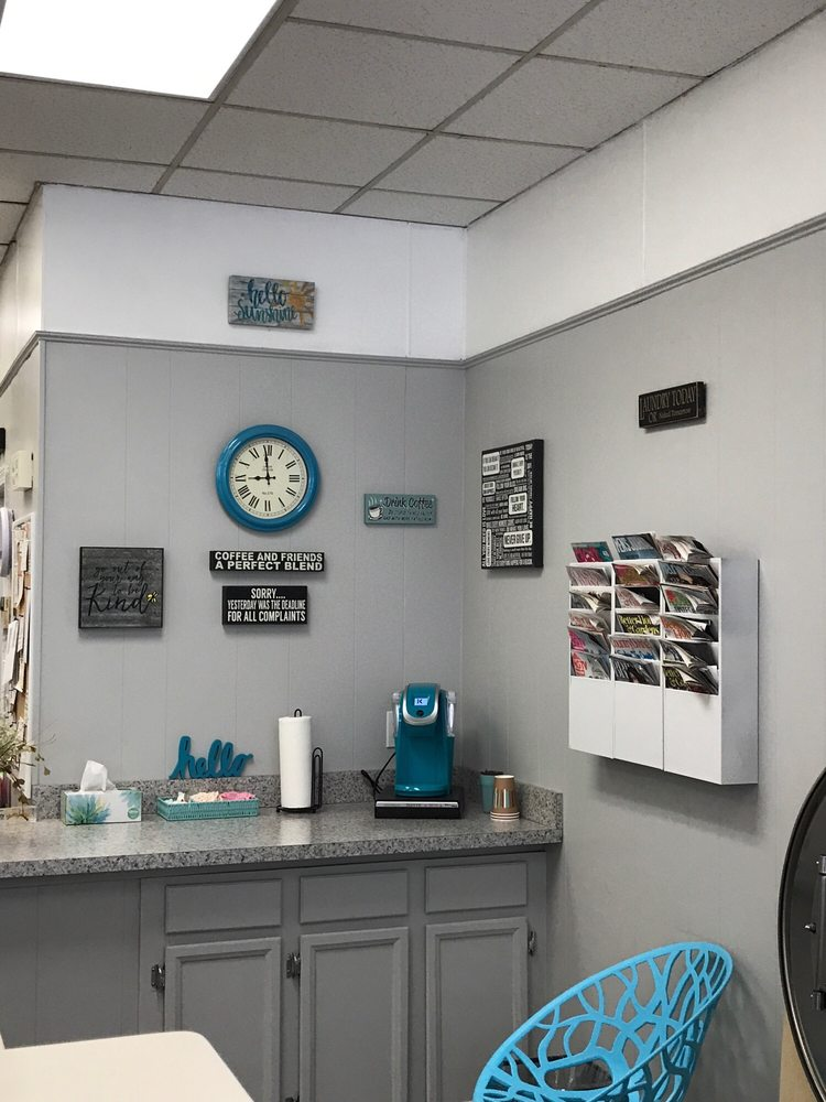 Sunshine Laundry Center: 161 Main St, Salem, NH