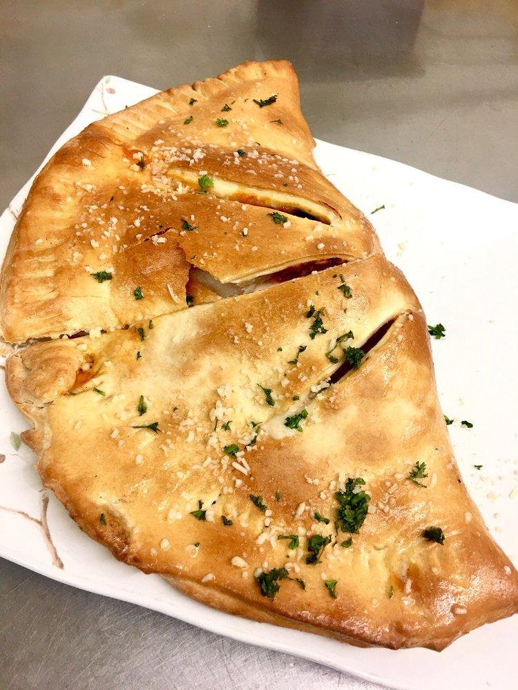 Giovanni's Italian Eatery: 130 Walker St, Shafter, CA