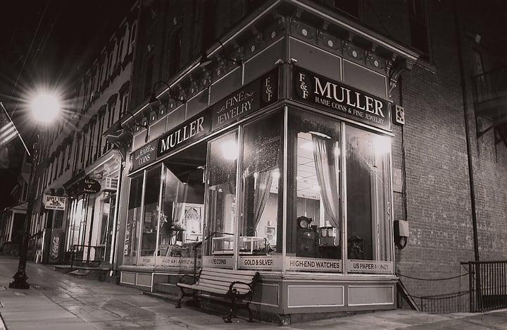 Muller Rare Coins & Fine Jewelry: 1 N 4th St, Hamburg, PA