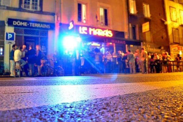 Le marais gay bars 49 rue fontgieve clermont ferrand for Le salon clermont ferrand